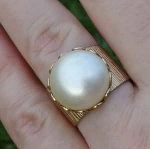🌟Emmons Large Pearl Ring🌟